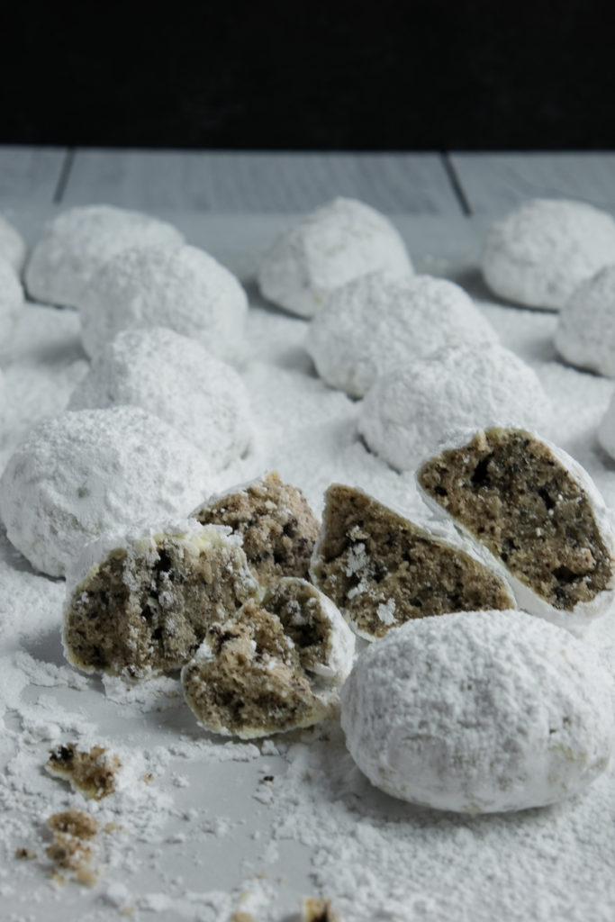 cookies and cream snowball cookies