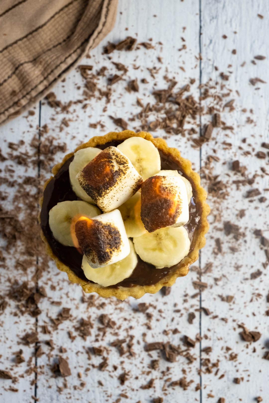 s'mores banana cream tarts