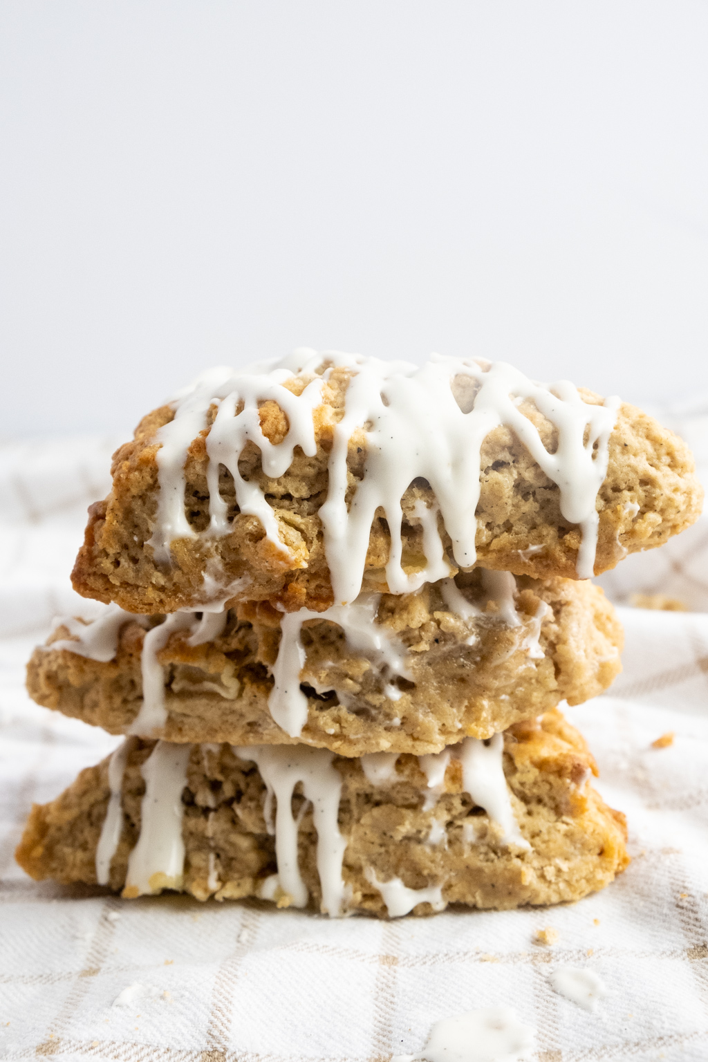 chai infused pear scones with vanilla bean glaze