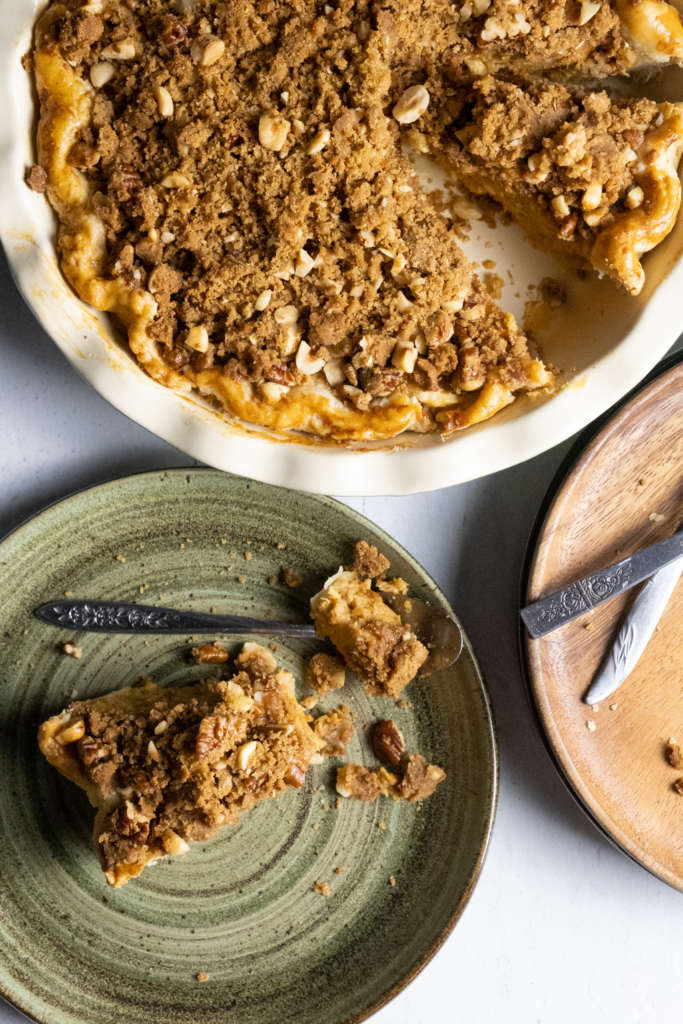 sweet potato pie with gingerbread nut crumble