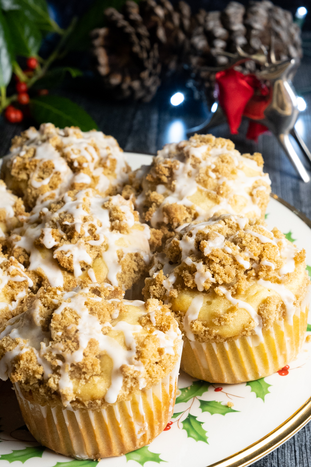 bourbon eggnog muffins with brown sugar streusel